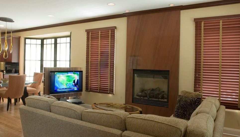 Living room toward kitchen designed by Tammy Kaplan  |  500